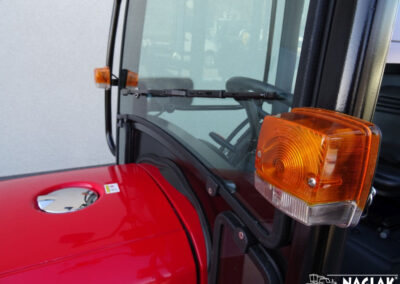 Kabina-Branson-3100-NAGLAK-lampa-przod